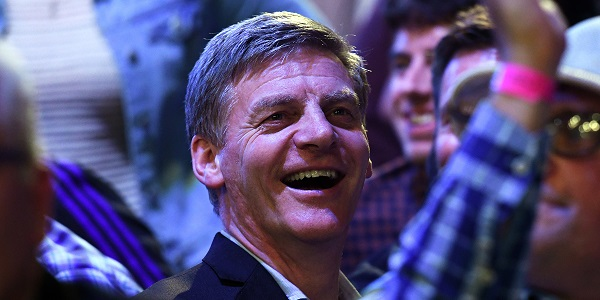 New Zealand Prime Minister Bill English - Auckland Darts Masters, presented by TAB & Burger King (Photosport, PDC)