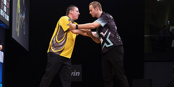 Dave Chisnall and Max Hopp (Michael Braunschadel, PDC)