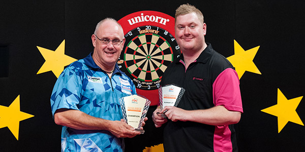 Ian White, Ricky Evans (Kelly Deckers, PDC)