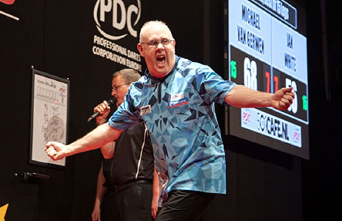 Ian White (PDC Europe)