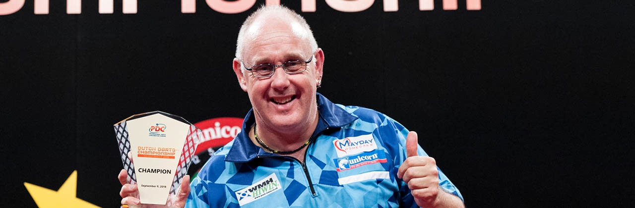 Ian White (Kelly Deckers, PDC Europe)