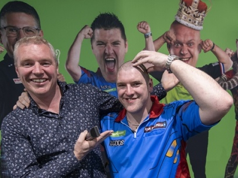 Daryl Gurney & Paddy Power (Paddy Power)