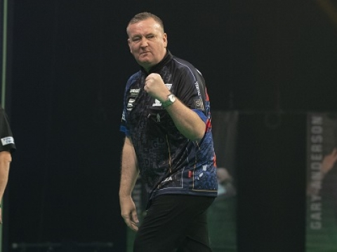 Glen Durrant - Unibet Premier League (Lawrence Lustig, PDC)