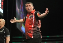 Mensur Suljovic - Unibet Champions League of Darts (Lawrence Lustig, PDC)