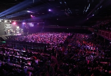 World Grand Prix crowd (Lawrence Lustig, PDC)