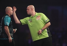 Rob Cross, Michael van Gerwen (Lawrence Lustig, PDC)