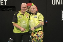 Michael van Gerwen & Peter Wright (Lawrence Lustig, PDC)
