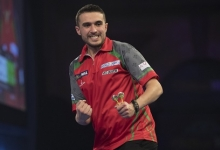Jamie Lewis - William Hill World Darts Championship (Lawrence Lustig, PDC)